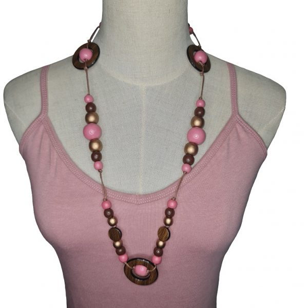String wooden beads necklace